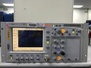 Agilent 86100A Oszilloskop mit breiter Bandbreite, Ser. US40490121 Mit: Agilent 86105B Ser. US423802