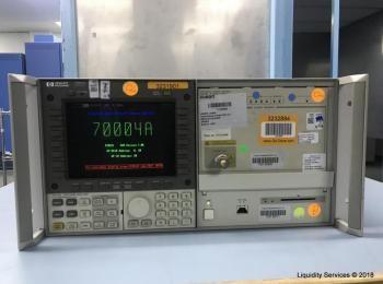Hewlett Packard 70004A Farbsystem Display Ser. 3746A07766 Mit: Hewlett Packard 70311A Clock Source S