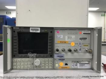 Hewlett Packard 70004A Display Ser. 3746A06433 Mit: Hewlett Packard 70340A Signalgenerator (Asset-ID