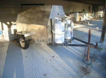 Holstein BBQ Gasgrill, fahrbar auf Anhänger mit Rädern, Edelstahl, inklusive Treibstofftanks, ein SF