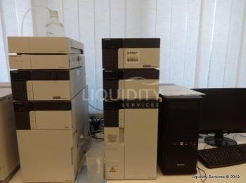 SHIMADZU HPLC-System bestehend aus: Shimadzu-Modell CBN-28-Kommunikationsmodul, SPD-20Auv / Scheiben