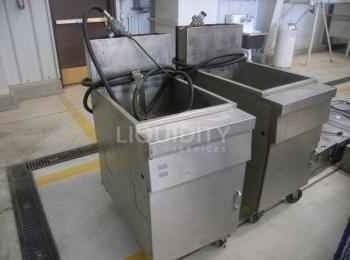 2 Stück Propan-Frittiermaschinen, MFG, Modell, Baujahr unbekannt. Jede Maßeinheit misst: 20