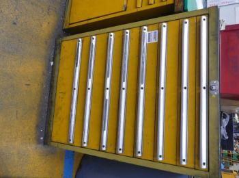 Schubladenschrank ohne Inhalt; 70 x 72 x 100 cm, 200