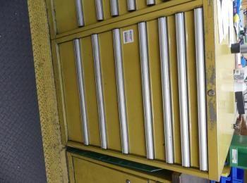 Schubladenschrank ohne Inhalt; 72 x 72 x 100 cm; 8 Schubladen, 200