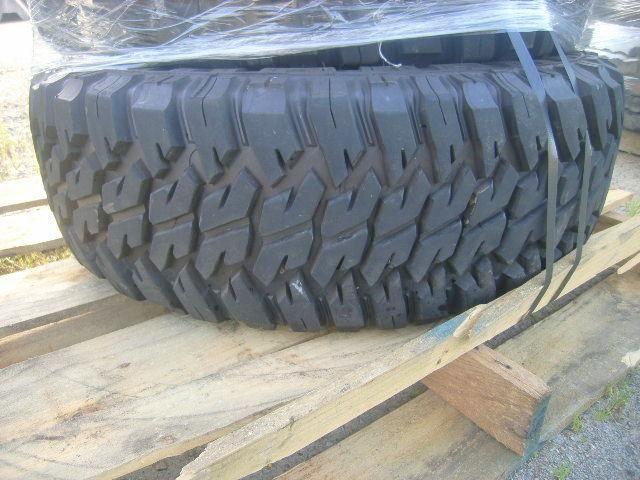 5 Stück Goodyear, Wrangler, Reifen, 37X12,50 R16,5, env. 448 Pfund, Abmessungen: 48 x 40 x 61 Zoll, V