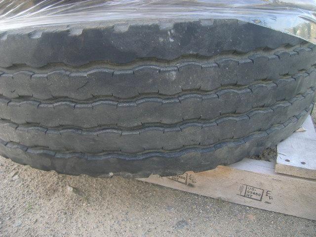 4 Stück Goodyear, Reifen, Tubeless radial, 315 / 80R22.50, env. 548 Pfund, Abmessungen: 44 x 44 x 49
