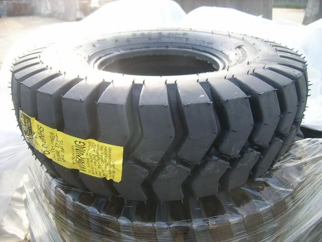 13 Stück Pneus spécialisés d'Amérique, pneus industriels, 6,90-9 NHS, nylon, env. 319 Pfund, Abmessungen:
