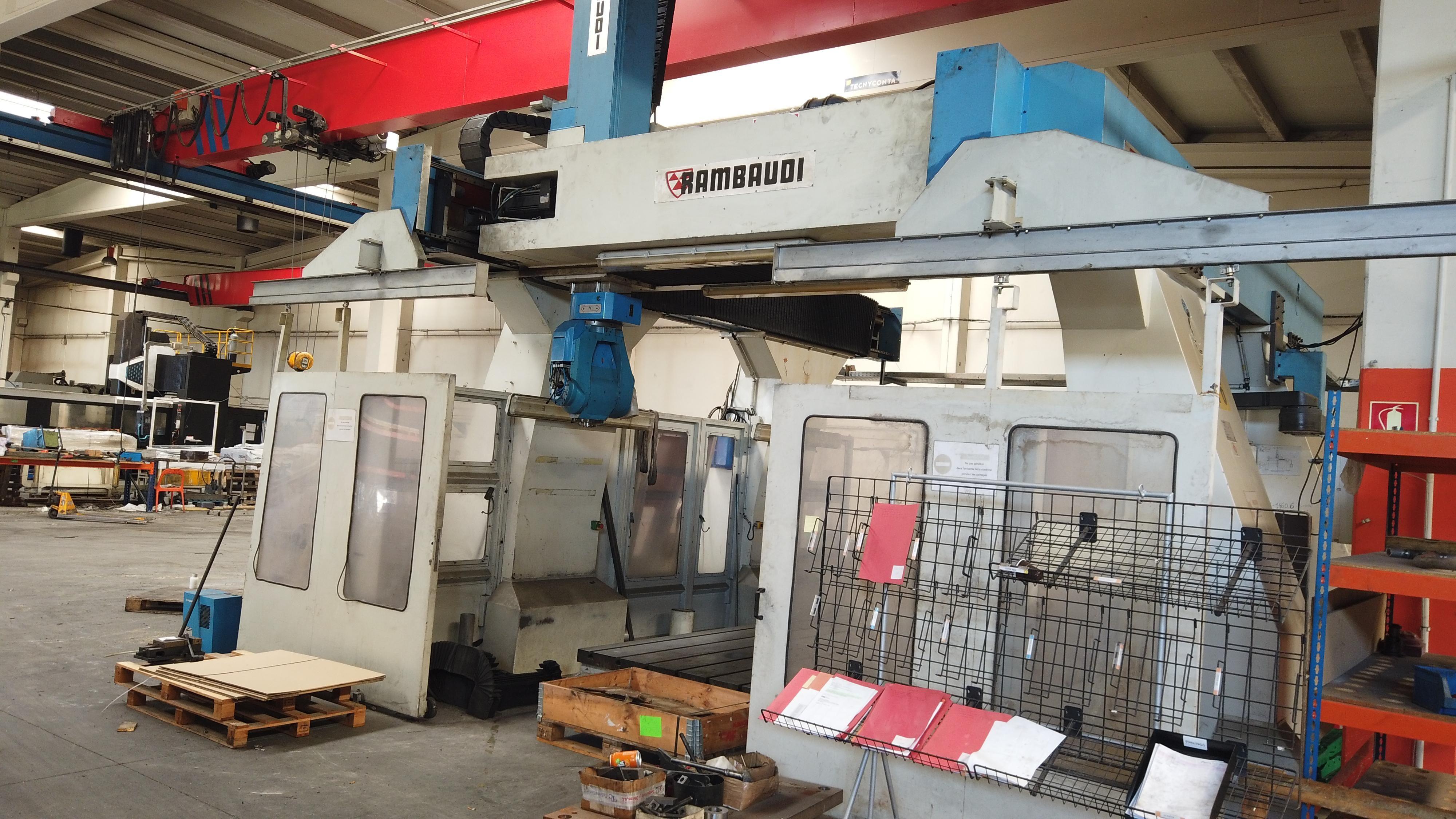 2 - 5-Achsen-CNC-Portalfräsmaschine