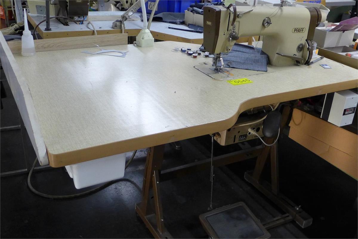Schnellnäher Industrienähmaschine Pfaff 481-G