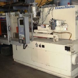 KRAUSS MAFFEI 65 TON INJECTION MOLDER