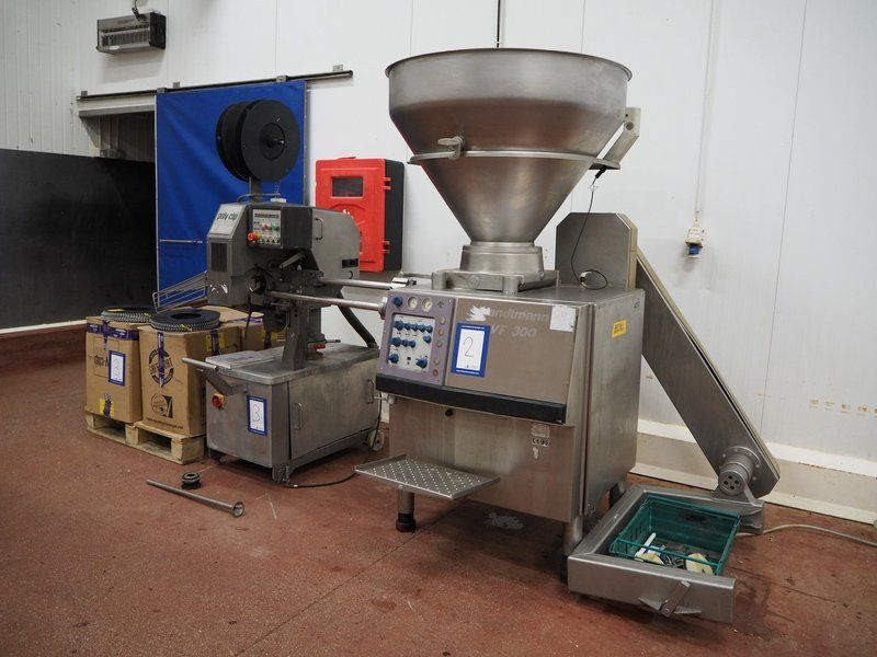 Kombination: Handtmann / Poly-Clip Systems GmbH Abfüll- und Cliplinie