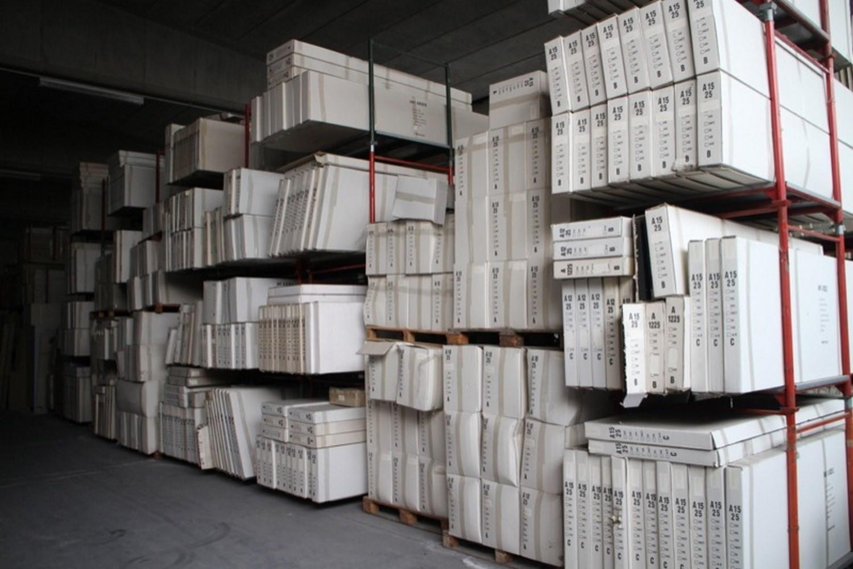 Auf von Halbfabrikaten für Möbelmontage