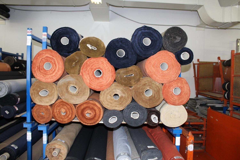 Baumwoll- und Wollstoffe