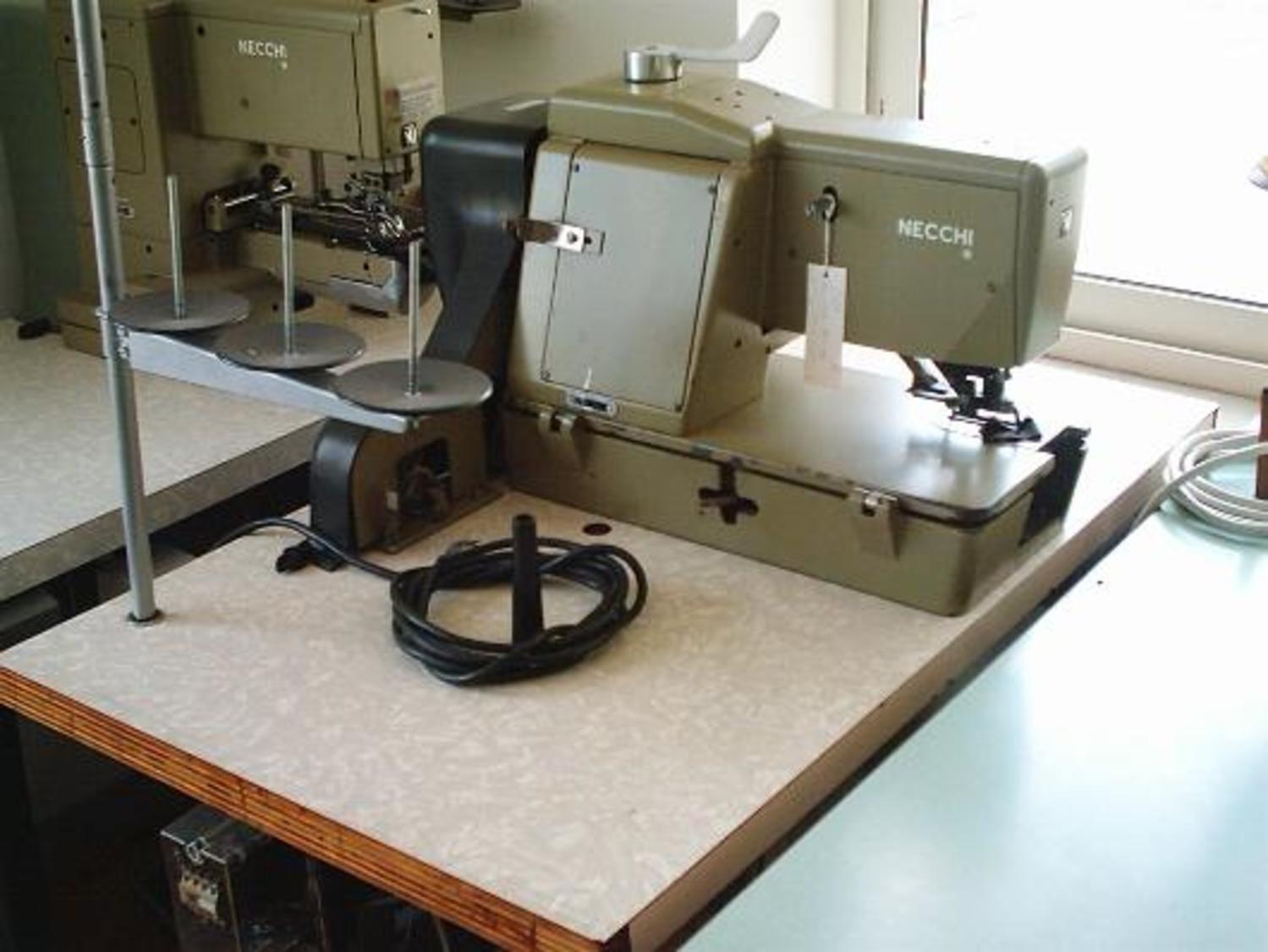 Nähmaschine Necchi 402-110