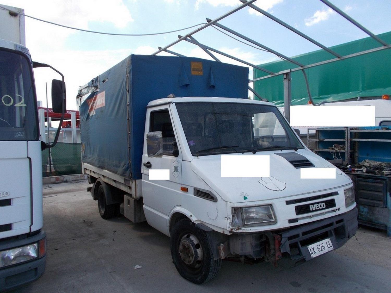 Iveco Lieferwagen mit Anrichte