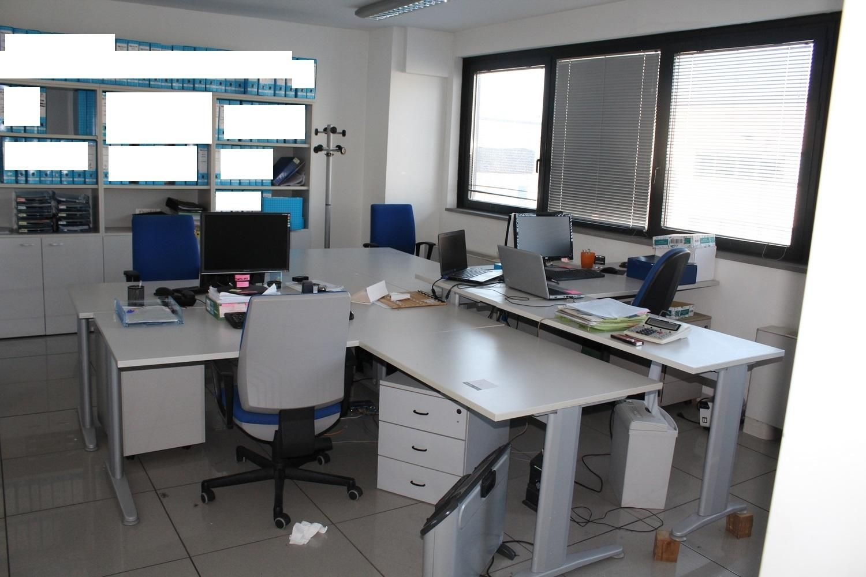 Asus-Monitore et HP-Laptops