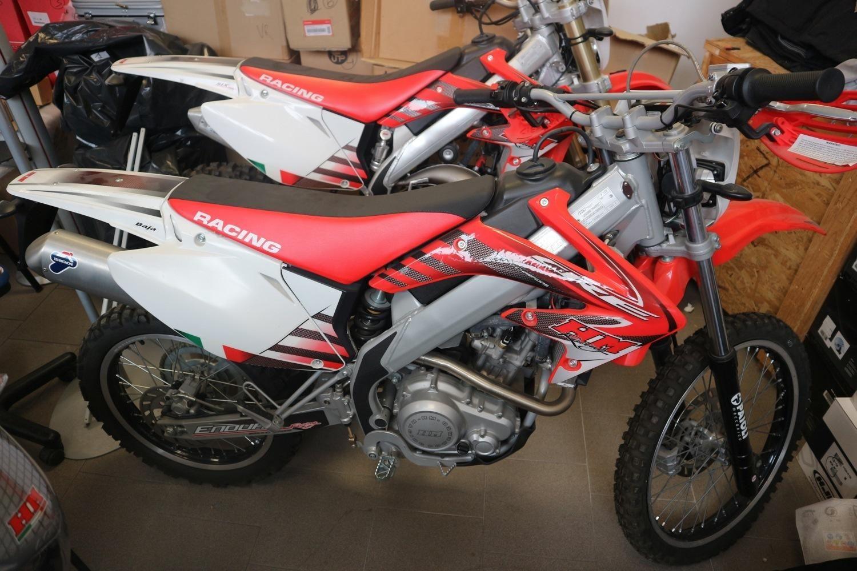 HM CRE Motorrad