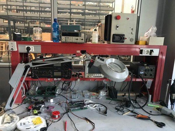 Elektronische Laborgeräte