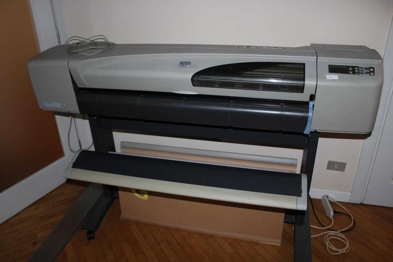 Плоттер Hp Designjet und Büromöbel