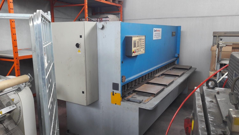 CNC Hydraulische Schere mit variablem Spanwinkel