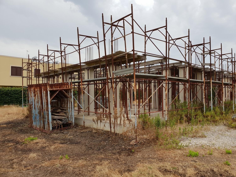 Gerüste und Baugeräte
