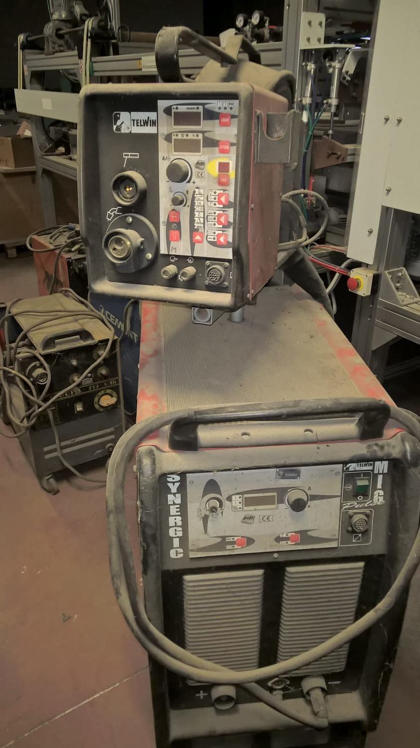 Sinergic mig 400 / RA Impulsschweißmaschine