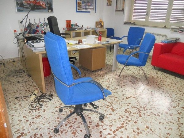 Büromöbel und IT-Ausstattung