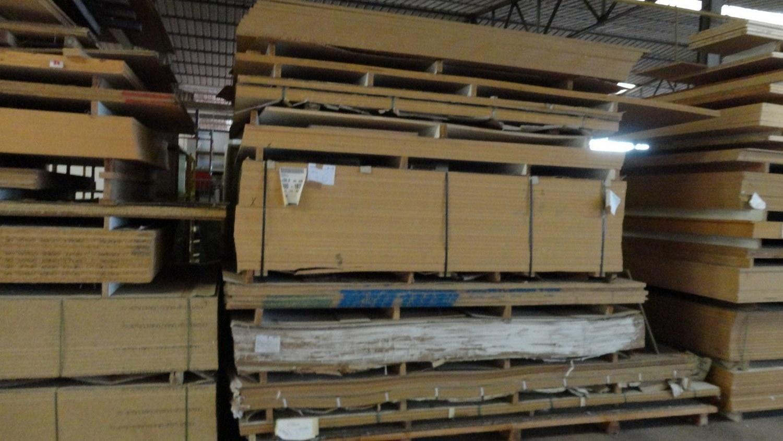 MDF und konfrontiert Holzplatten