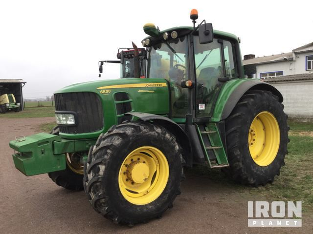 2009 John Deere 6830 4WD Traktor