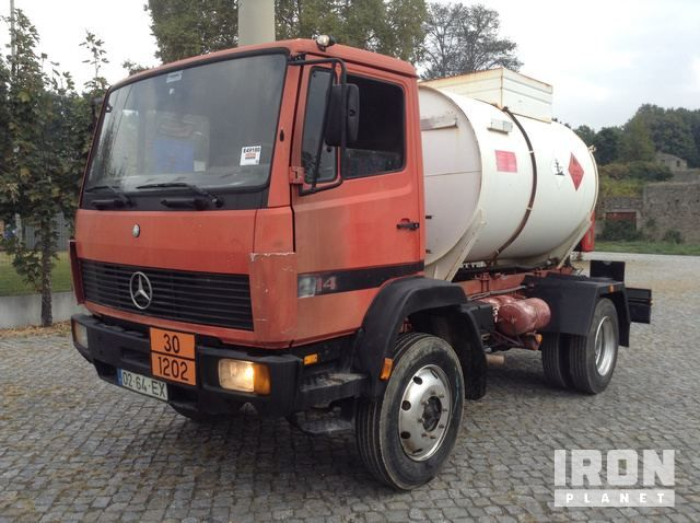 1995 Mercedes-Benz 914 4x4 Tankwagen