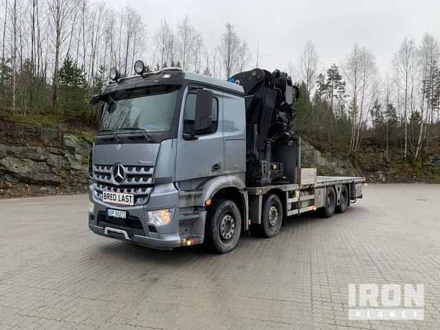 2014 Mercedes-Benz Arocs 3245 8x4 Pritschenwagen mit Kran