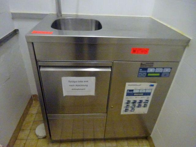 VA-Steckbeckenspülmaschine MEIKO KD.2