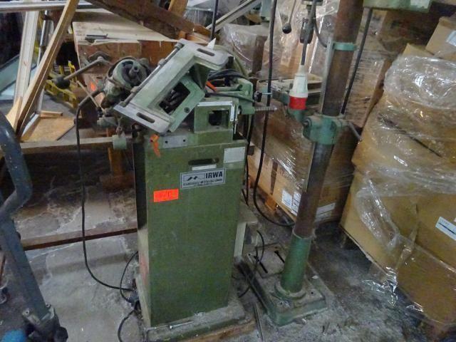 Posten Alt-Maschinen und Alt-Maschinenersatzteile