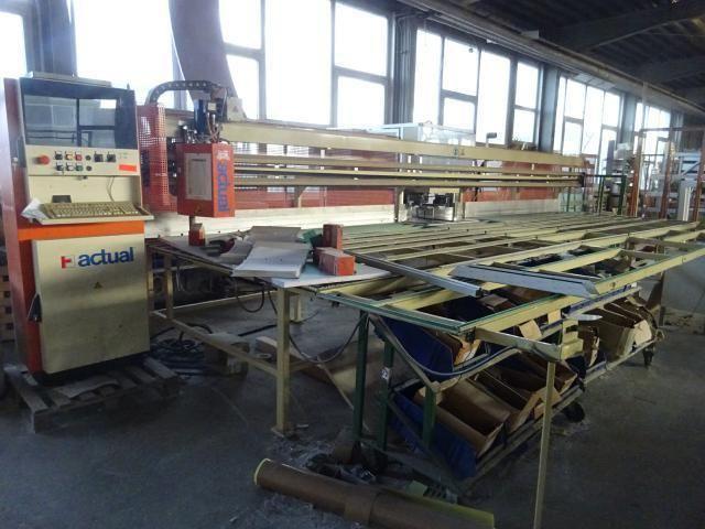 CNC-Eckenputzautomat für Kunststoffenster ACTUAL