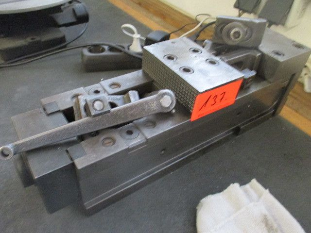 hydraulischer Maschinenschraubstock