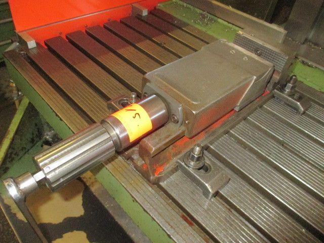 hydraulischer Maschinenschraubstock (marciume)