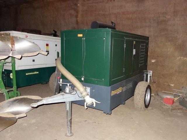 Wasserpumpe auf Anhänger-Fahrgestell