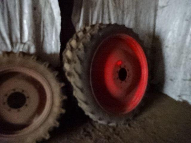 Pflegeradsatz für FENDT Traktor