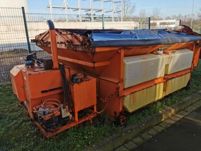 Abrollcontainer 8m³ mit Aufbaustreuer und Steuerung KÜPPER/WEISSER