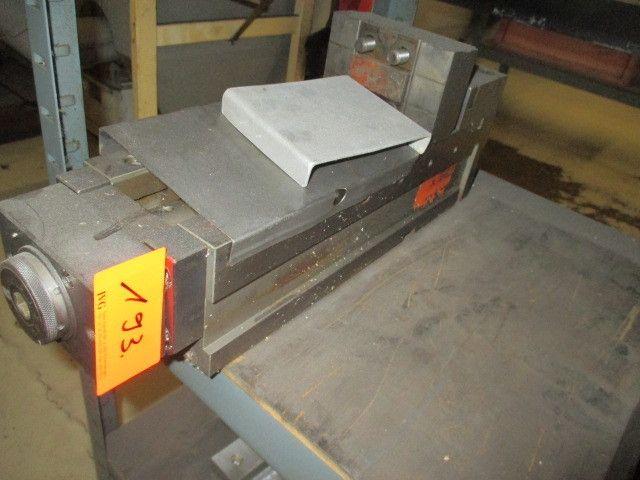 Werkbank mit Rückwand; 1 Stahl-Steckregal (grau)
