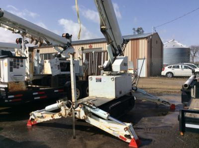 Altec DB37 Hinterhof Digger Derrick On 2009 McElroy T9023003 All-Terrain-Spurmaschine (1120240)