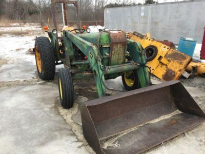 1980 John Deere 2440 Utility Tractor Loader (1122530)