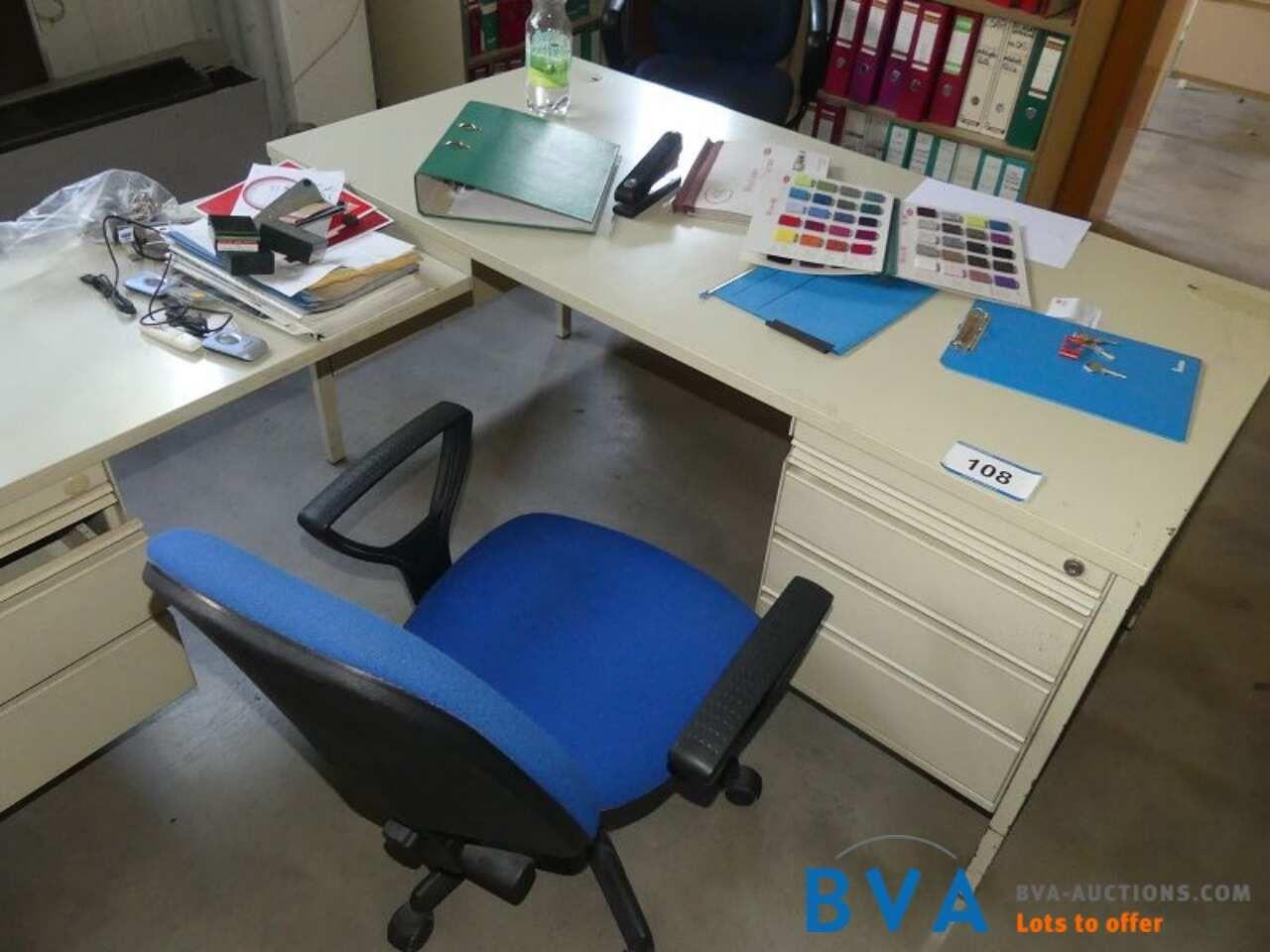 Schreibtisch-Winkeltischkombination Bene