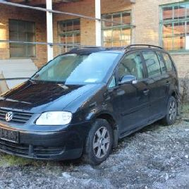 VW Touran, 1.9 tdi, 5 persons with air conditioning. In good condition km 285736 (1 key only) Auction 529 # 0001