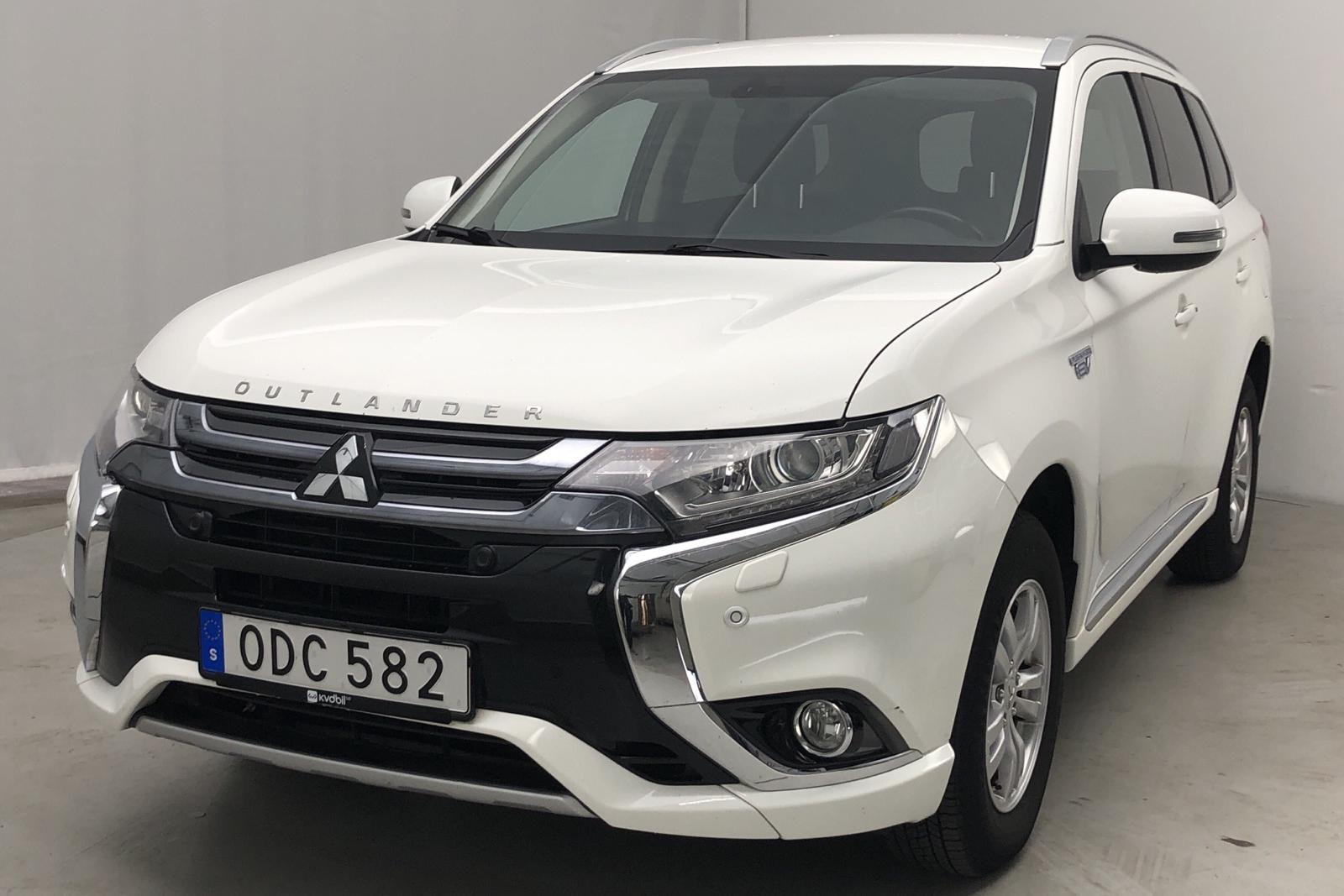 Гибридный подключаемый модуль 2.0 Mitsubishi Outlander 4WD (121hk)