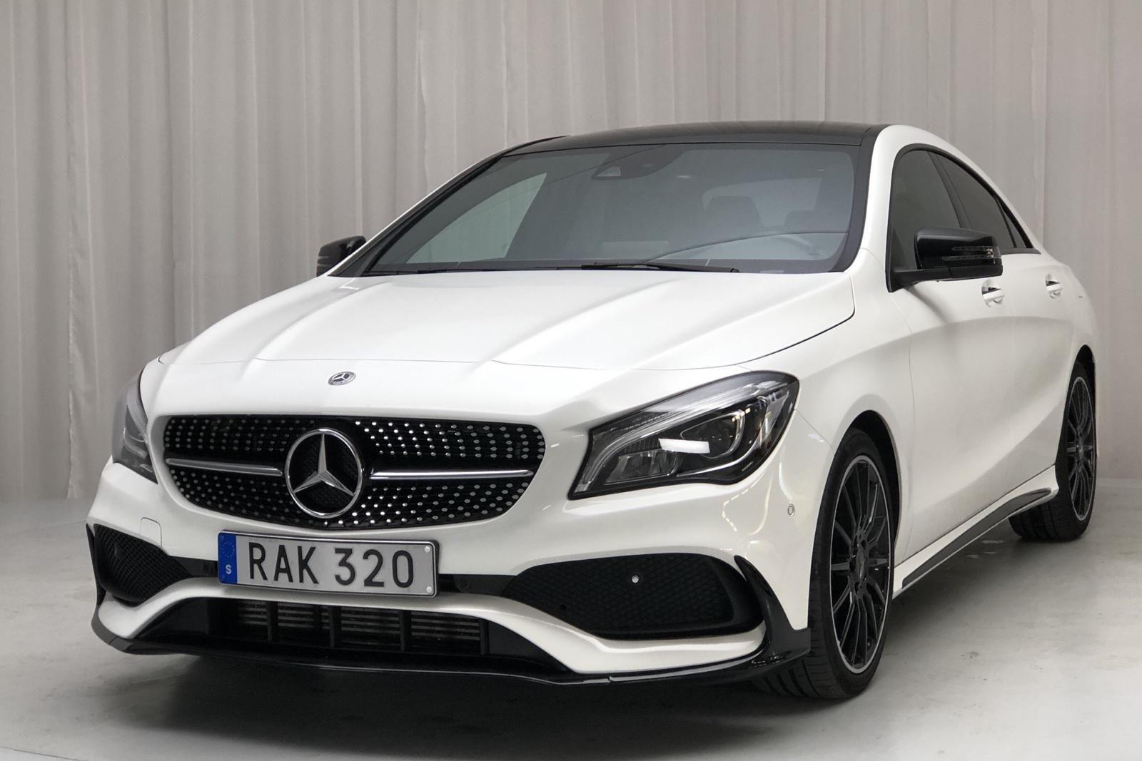Mercedes CLA 200 Coupé C117 (156 Stunden)
