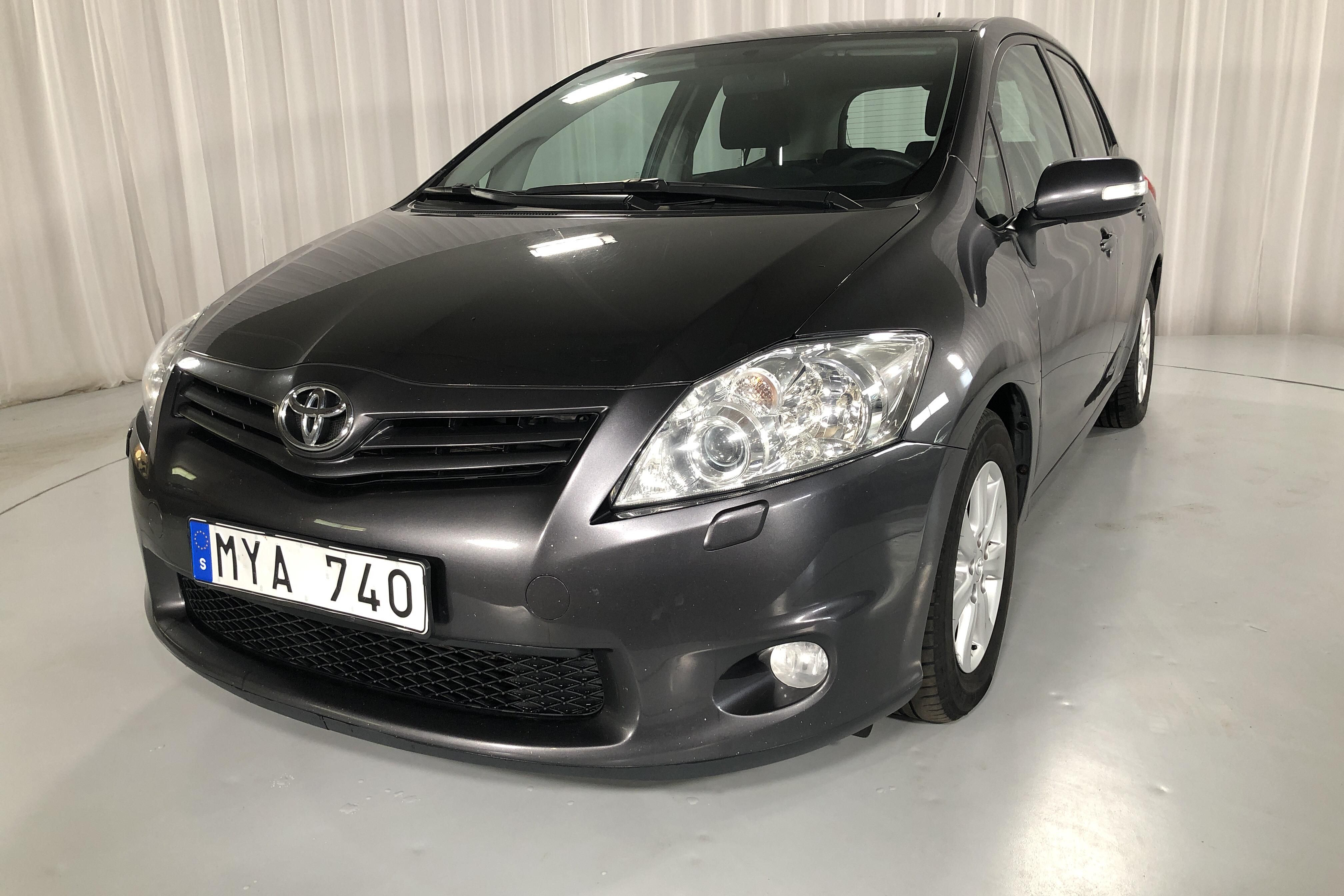 Toyota Auris 1.4 D-4D 5dr (90hk)