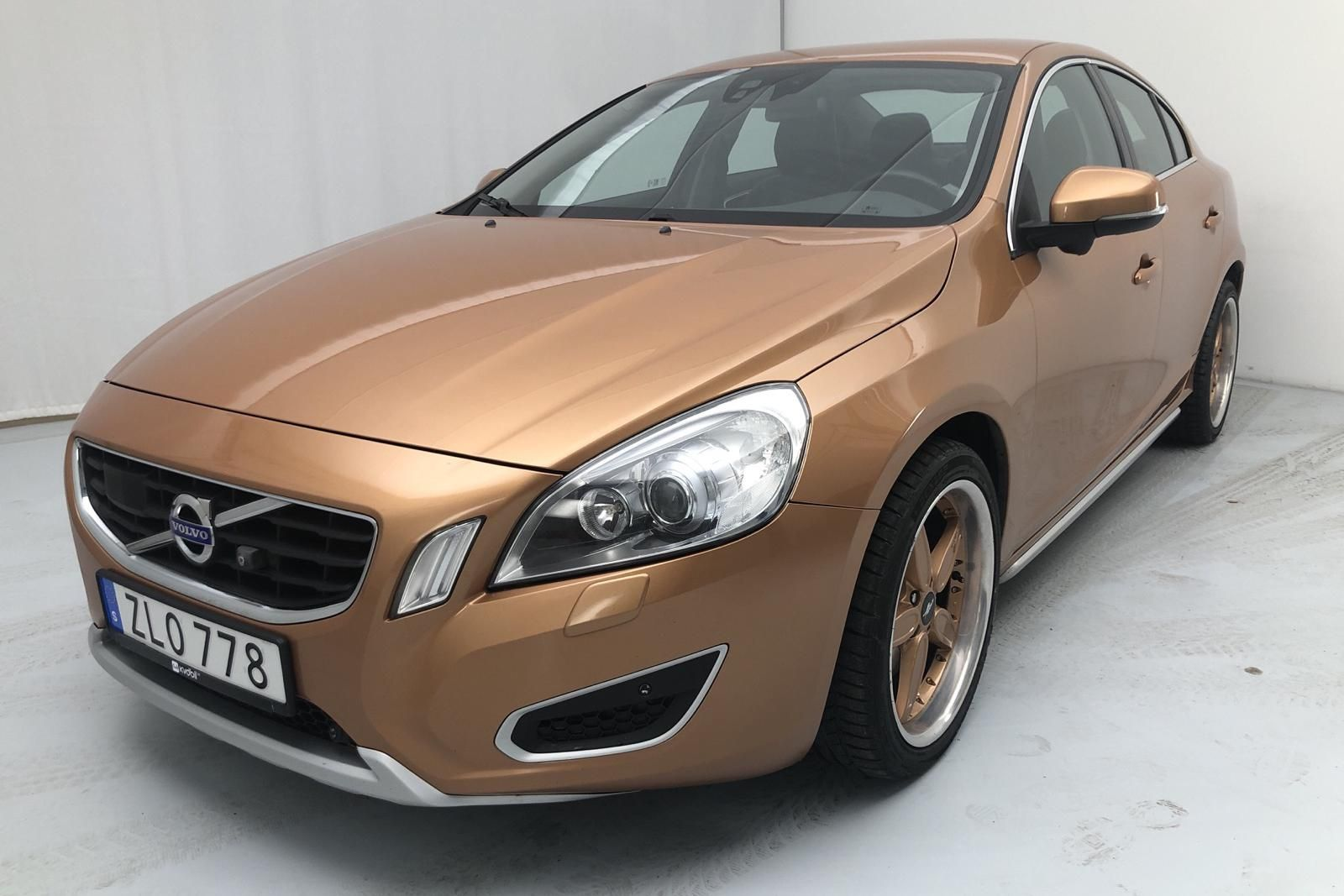 Volvo S60 T6 AWD (304 PS)