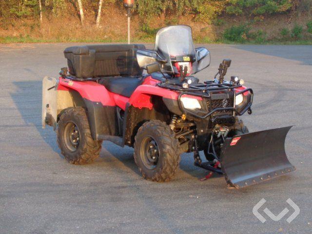 Honda TRX500FA RUBICON ATV mit Pflug und Streuer - 15