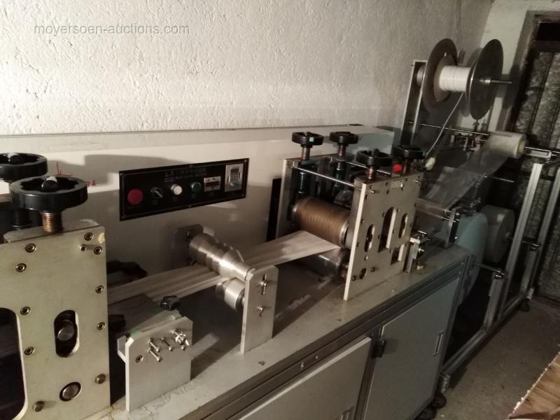 Produktionslinie zur Herstellung von 3-Lagen-Medizin